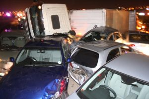 18 light vehicles and 2 trucks involved in N1 14th ave pile up