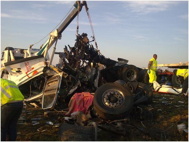 Photos of horrific accident on N1, Trompsburg