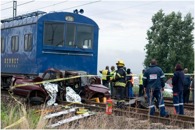 Level crossing accident in Boksburg leaves two dead