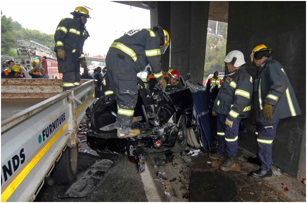 Female driver dies in M1 accident Johannesburg