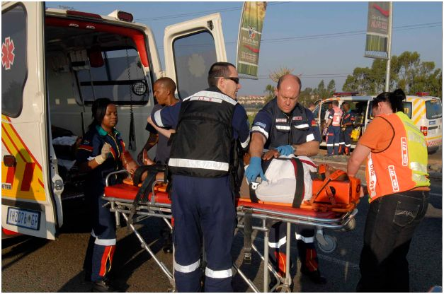 2 Taxis collide near Kempton Park