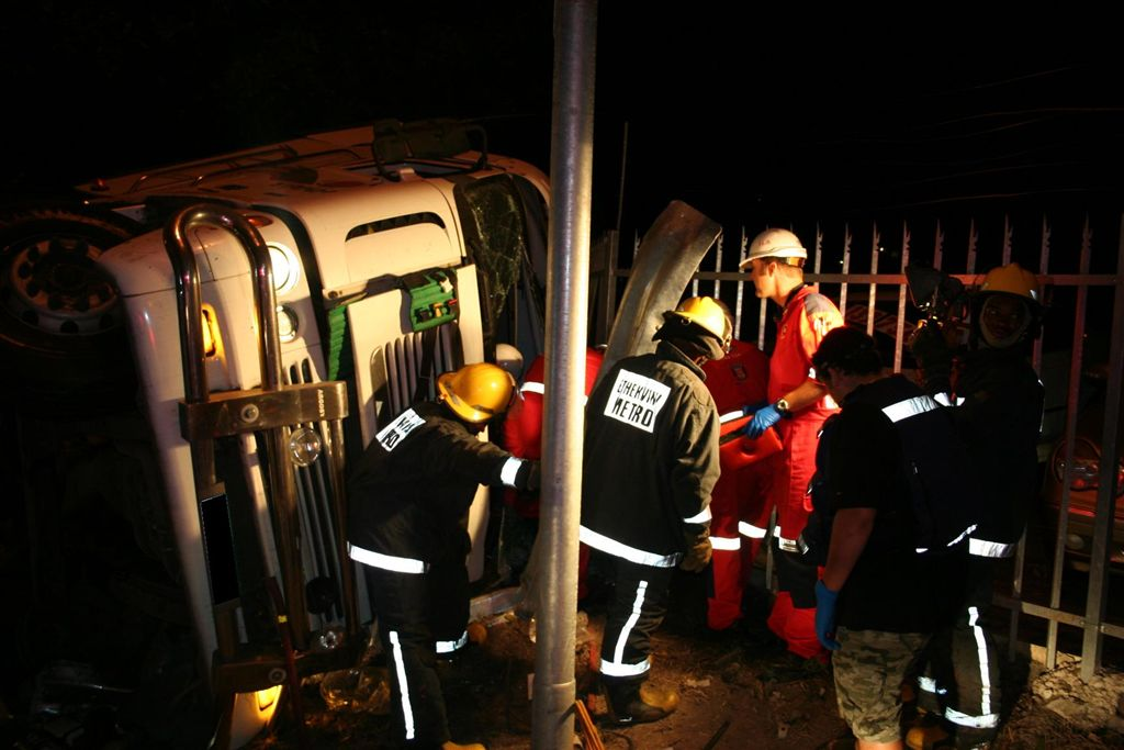 Driver and passenger Injured After Truck Accident