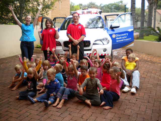 ER24 educates kids about the life of a paramedic