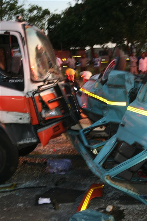 Taxi Accident Leaves 18 Commuters Injured