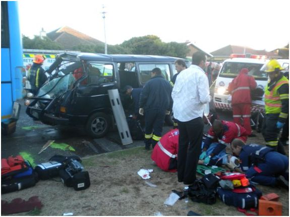 School Children Injured in Collision between Bus and Kombi