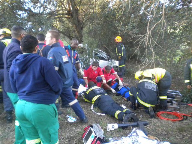 3 Dead, 9 Injured in Bakkie Crash