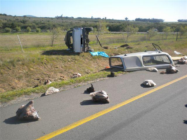 Mother Dies in Crash as bakkie overturns