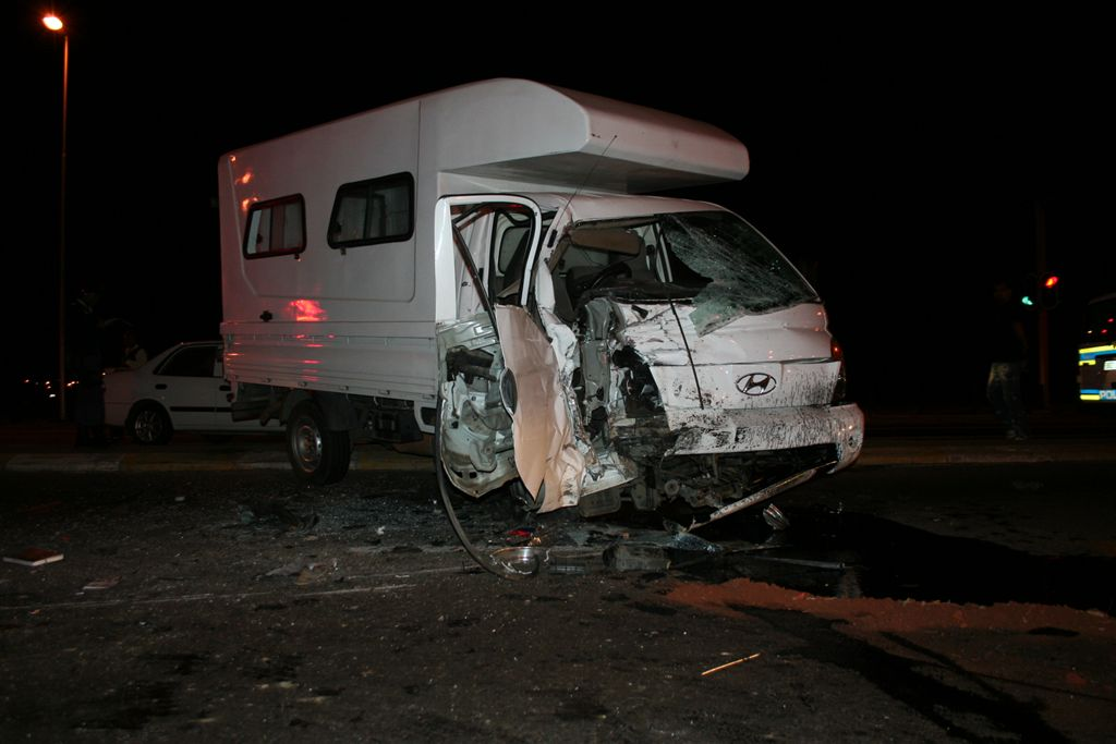 Delivery Vehicle and Bakkie Collide Leaving One Dead