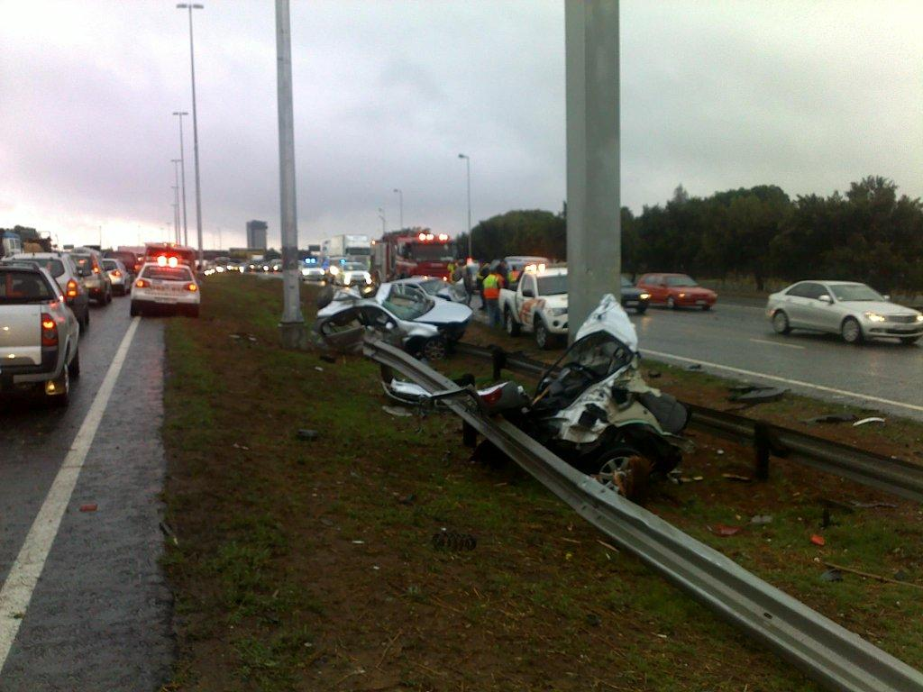 Photos from fatal early morning accident on R24