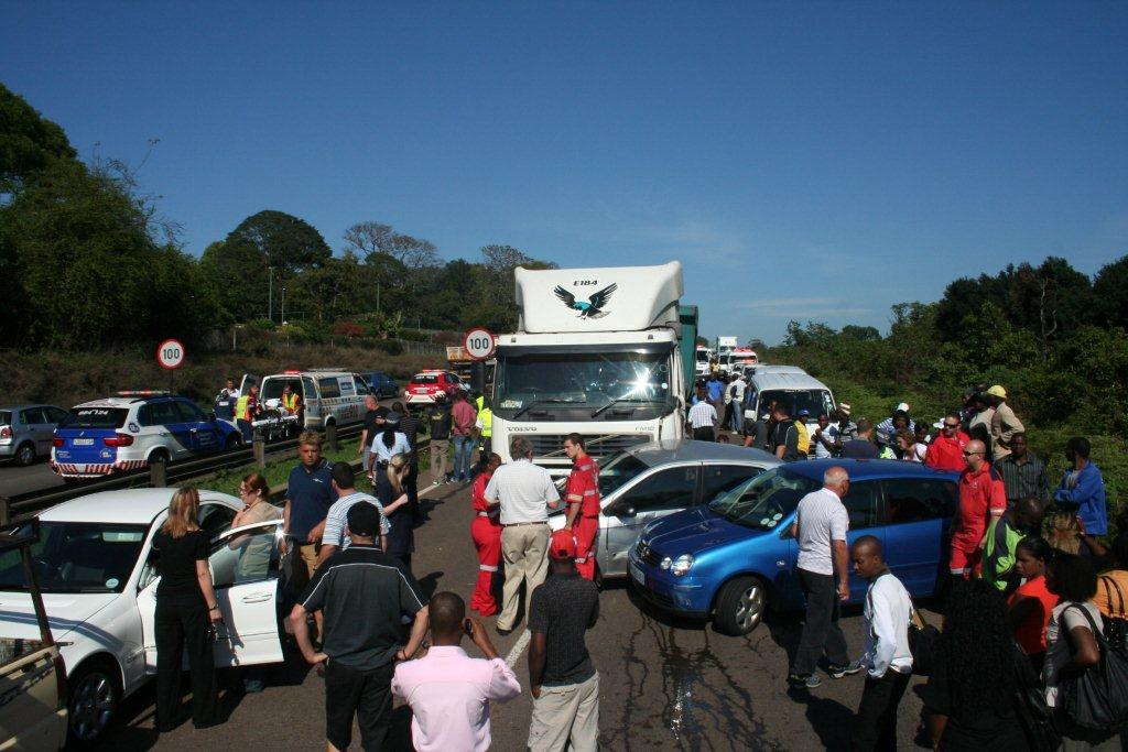Multi Vehicle Pile Up On the M13 In Durban
