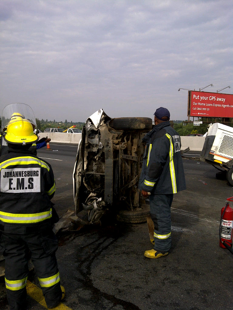 16 Security Guards Injured In Accident on N1 near Beyers Naude Drive