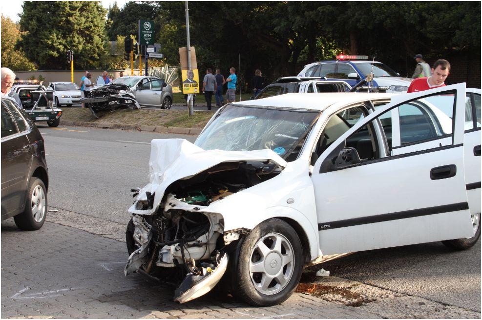 2 Men Seriously Injured in Weltevreden Park accident