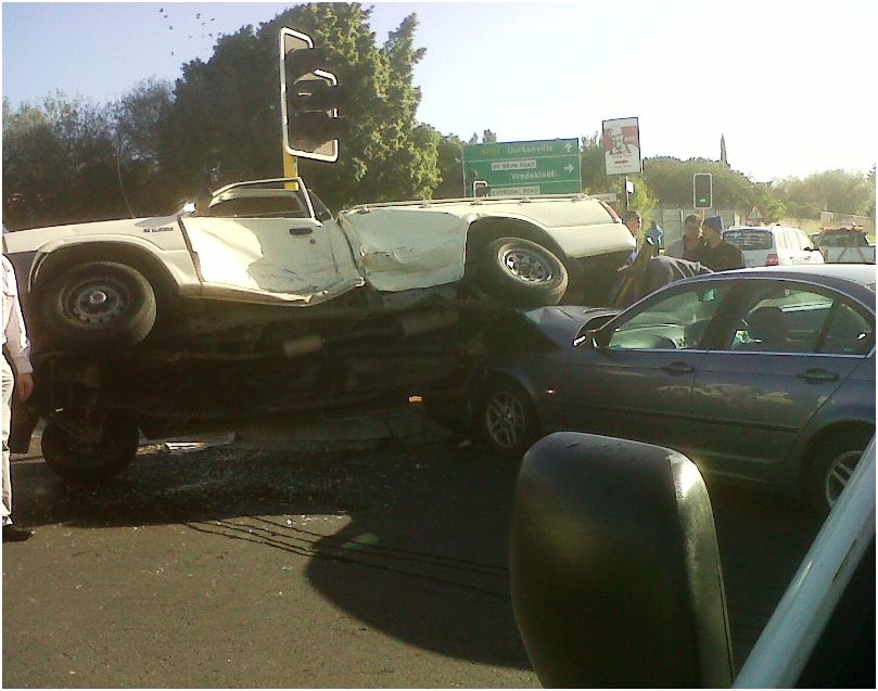 Serious collision at intersection in Eversdal