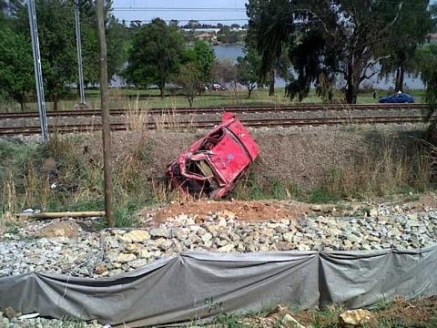 Car almost rolls onto train tracks in Benoni