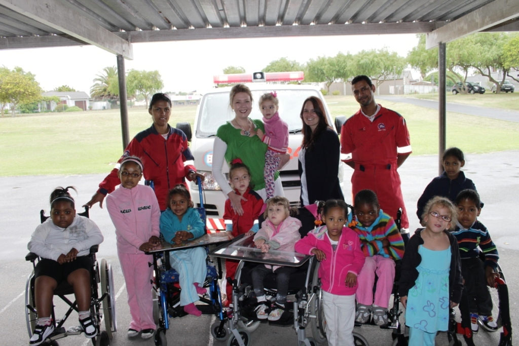 ER24 visits the Paarl school in Brackenfell