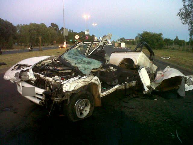 Bakkie ripped open in accident on Nelson Mandela Drive in Bloemfontein