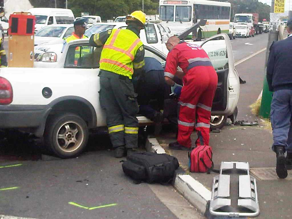 3 Vehicle pile-up on Vanguard Drive in Goodwood