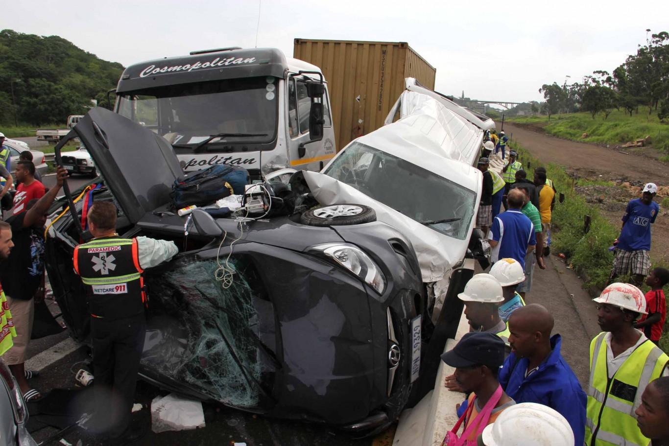 Carnage on N2 Umgeni Road leaves three injured  | Road