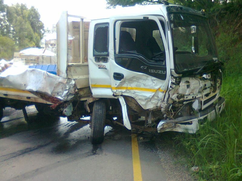 Collision Kills Driver Of Bakkie outside Louis Trichardt