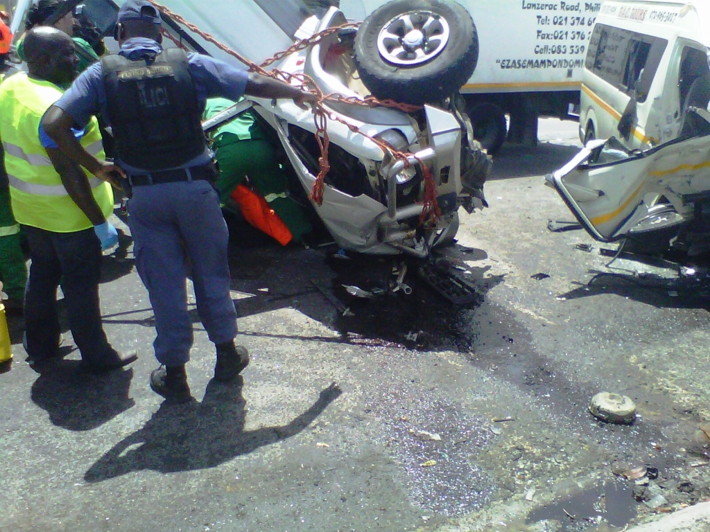 4 Injured in serious head-on collision in Khayelitsha