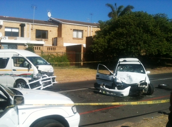 13 Injured after Bakkie and Taxi Collide Head-On in Stellenberg