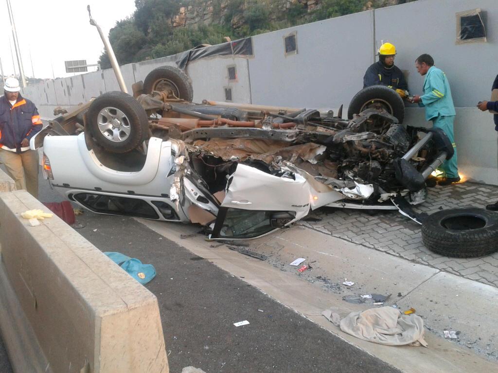 Bakkie Rolls On The N1, Leaves Eight Injured