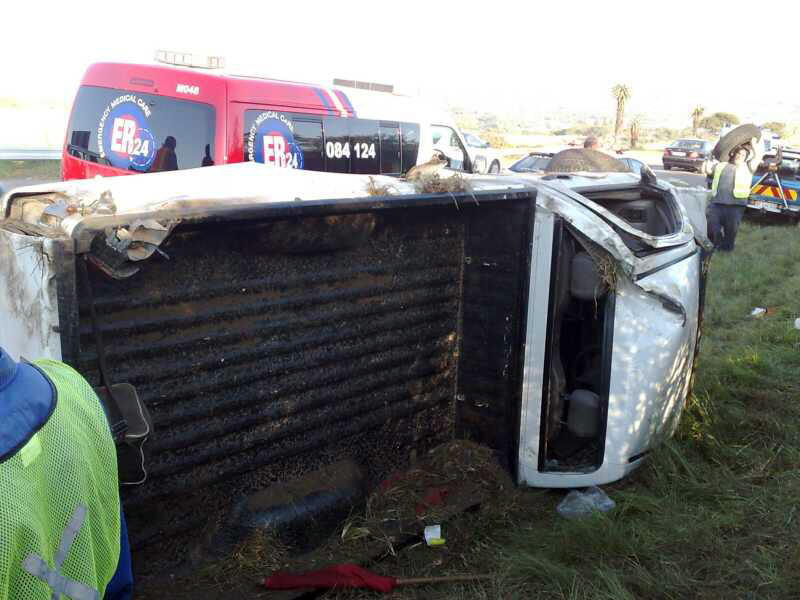 Seven injured as bakkie rolls in Ashburton