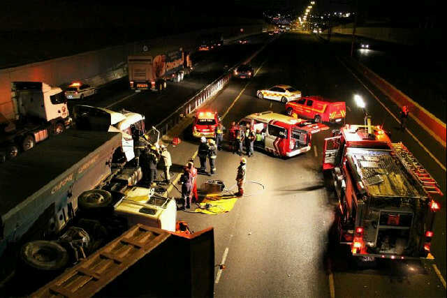 Truck driver killed in crash on the N1 south between Lynwood and Atterbury