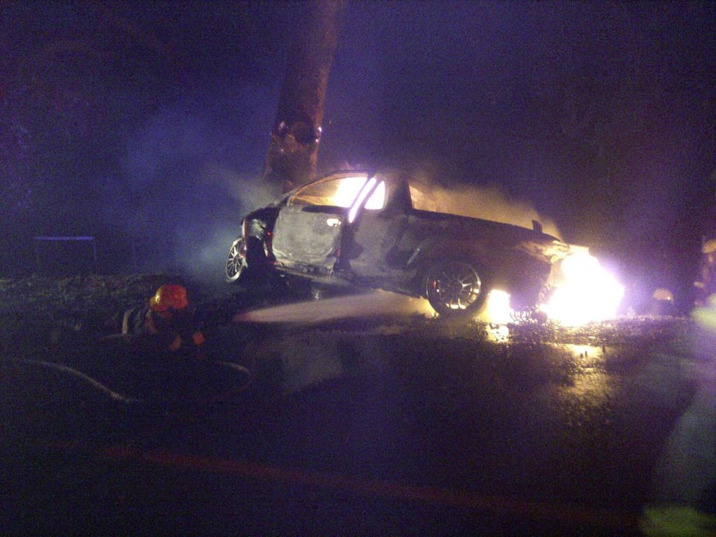 Man dies in burning car