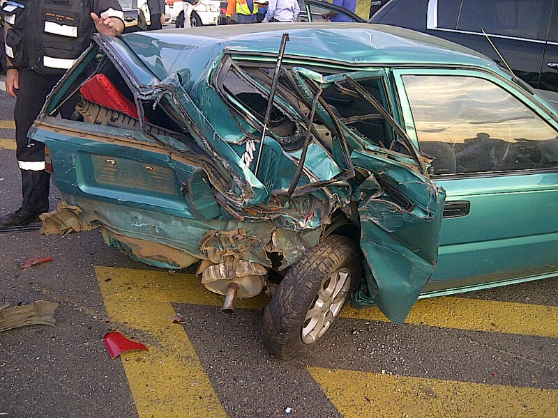 Truck takes out 15 cars on the N1 between Rivonia and William Nicol