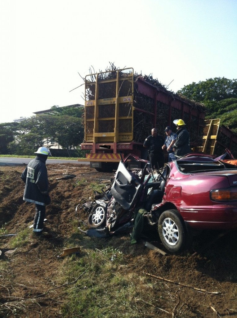 Driver Killed in collision with sugar cane truck On The N2 Near Amanzimtoti