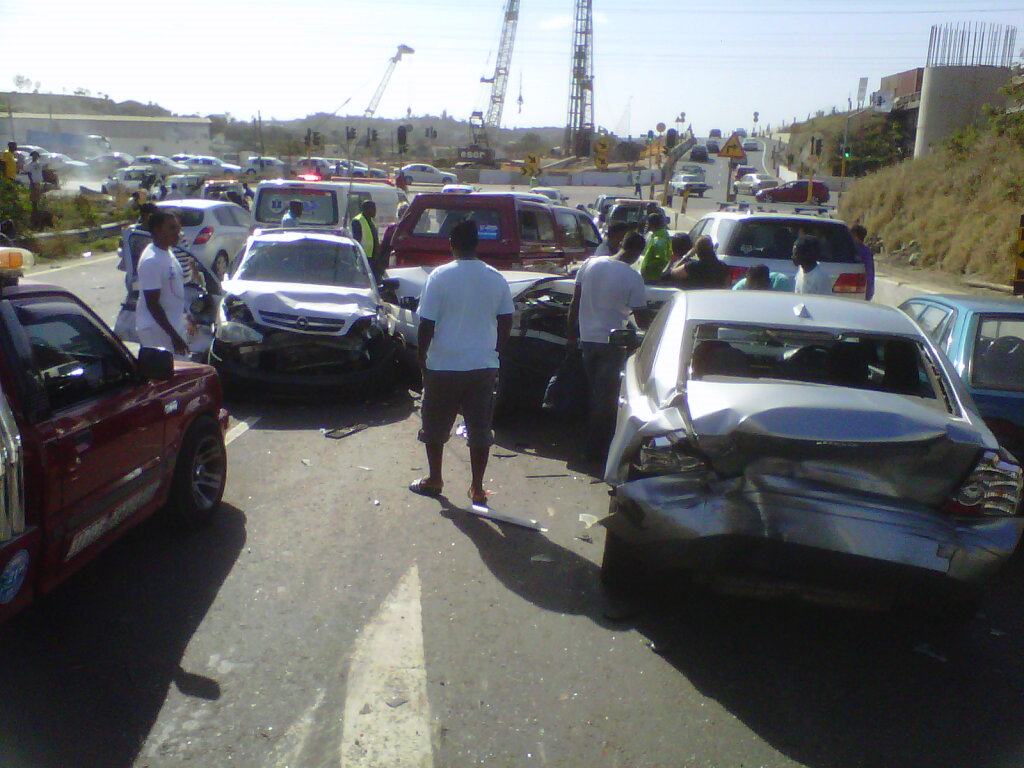 Eight Car Pile Up, Leaves Eight People Injured near Durban