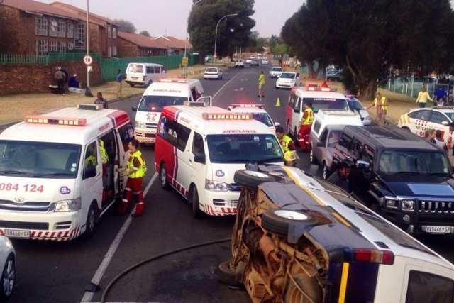 Sixteen Injured In Benoni Accident
