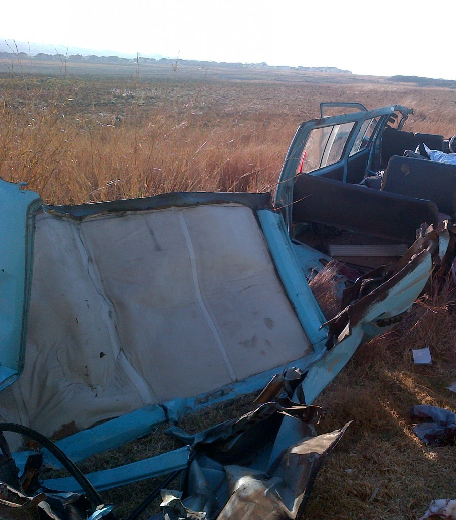 Taxi collides with truck leaving two dead just before the Samrand road off ramp in Midrand