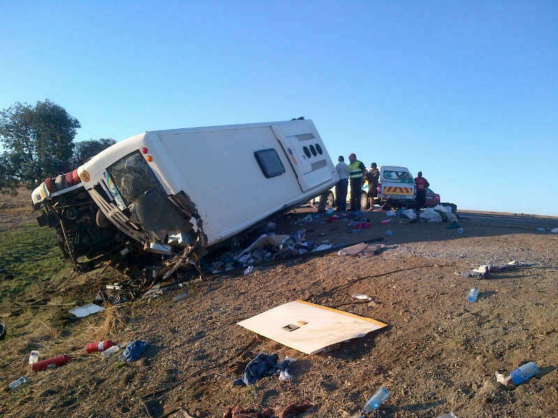 Photos from the Bus Accident On The N3 Past Warden