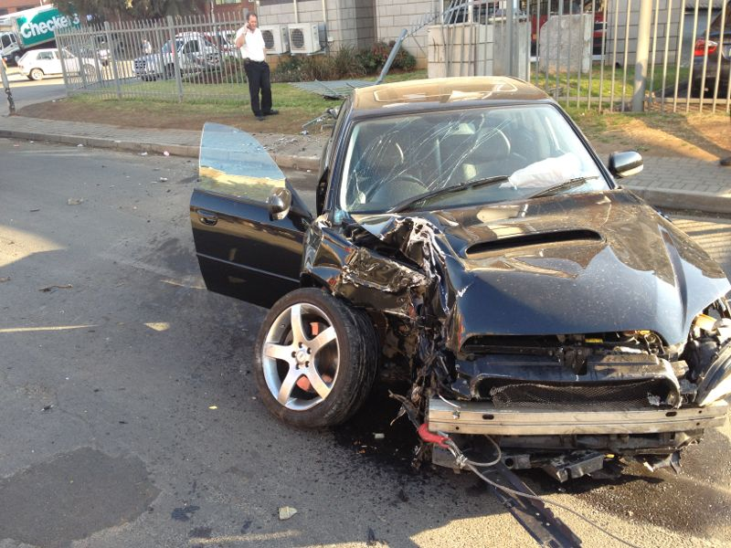 Driver Crashes Car In Bloemfontein in Westdene next to the Waterfront