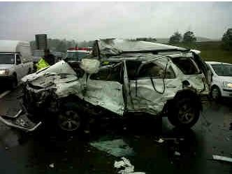 Collision between SUV and Truck On the N3, leaves one person dead