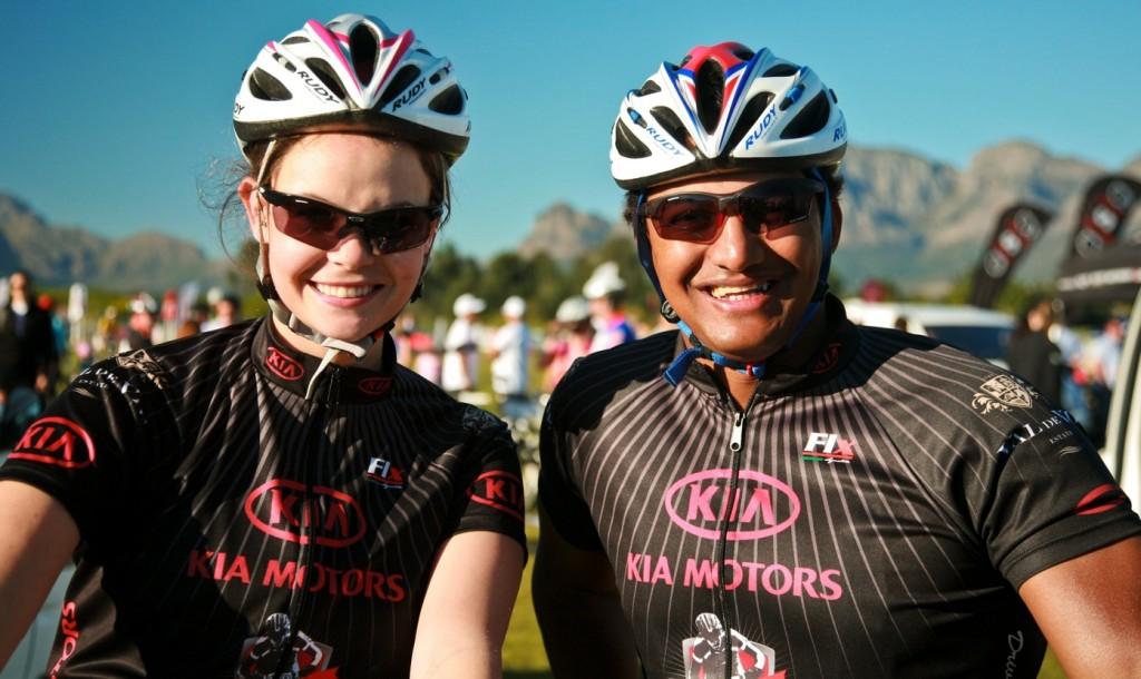 Celebs add glamour to Kia Val de Vie race