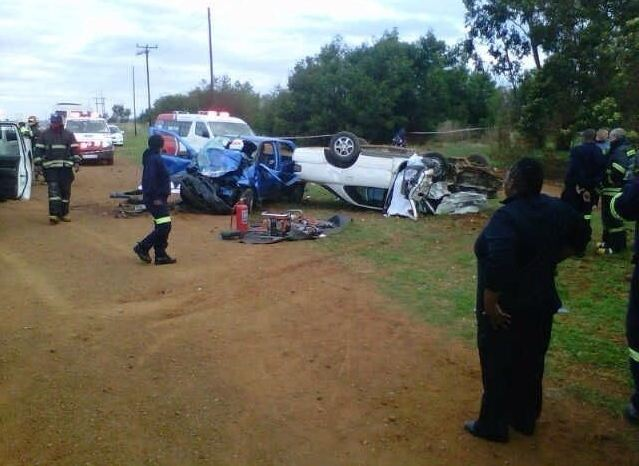 Two die and four others injured in Bapsfontein head on collision