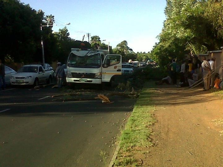 Bad weather the cause of a fatal accident along Waverley road in Bloemfontein