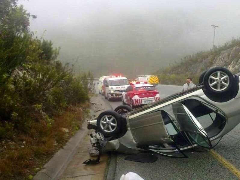 Father and son injured in Outeniqua pass collision