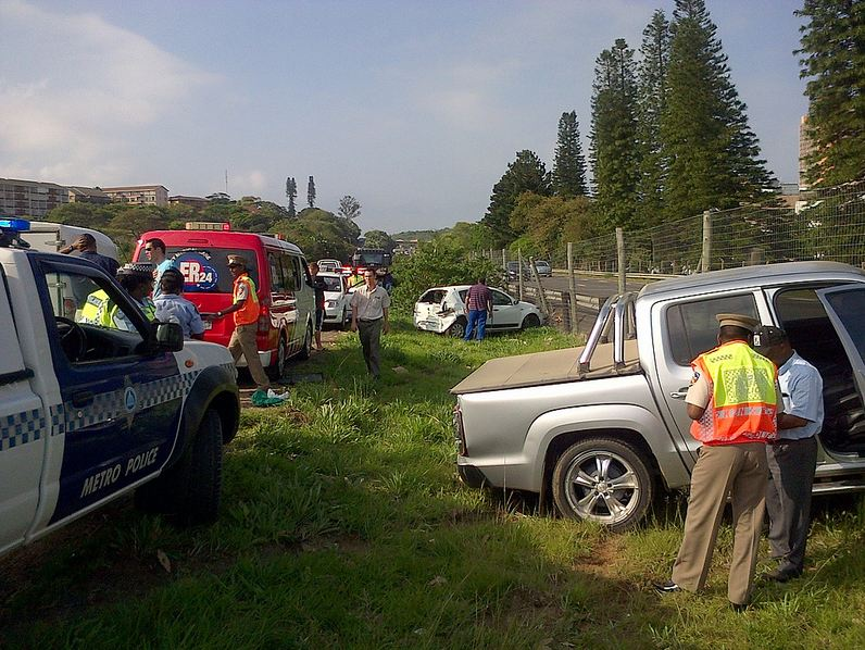 One person injured after three cars and truck accident in Amanzintoti