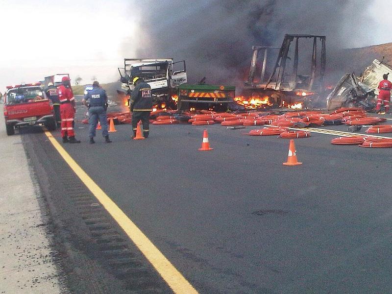 Two men die in N1 truck blaze