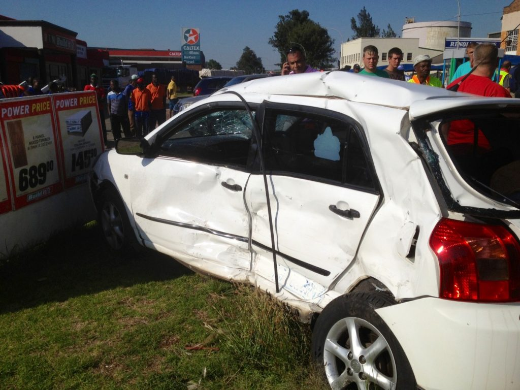 Mom and two sons injured in Benoni accident