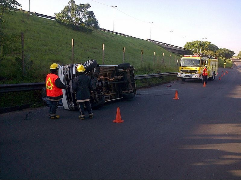 Nine injured after taxi overturns in Merewent