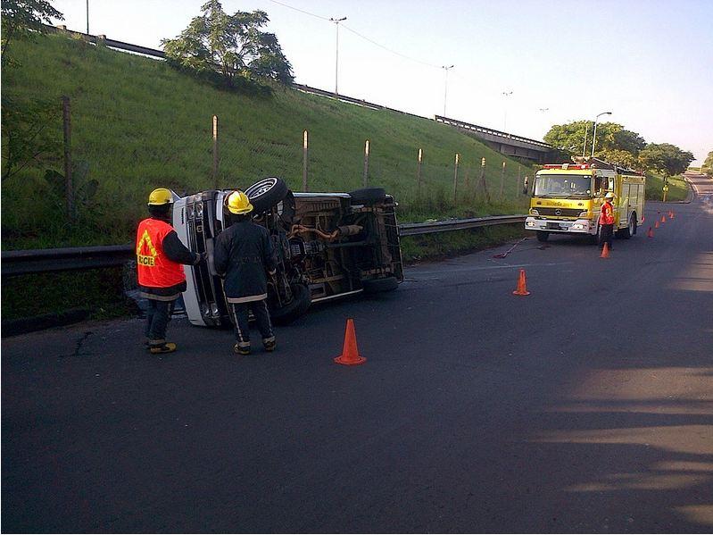 Nine injured after taxi overturns in Merewent