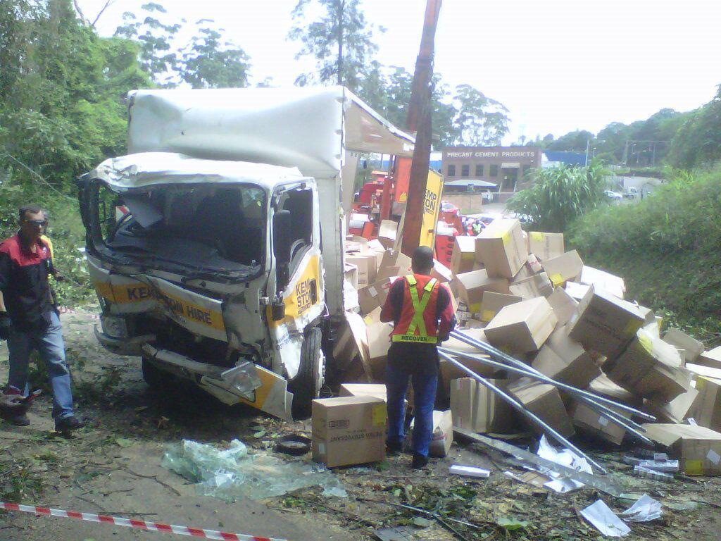 Truck crashes off the M13 bridge