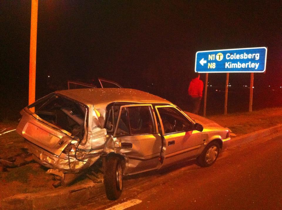 Lady sustains injuries in collision on Nelson Mandela Drive in Bloemfontein
