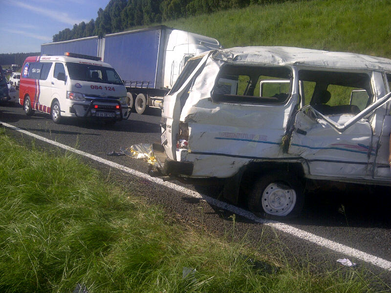 Two Dead, Eight Injured In N3 Bulgowan Accident