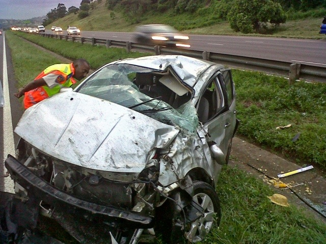 Durban N2 south accident leaves three injured